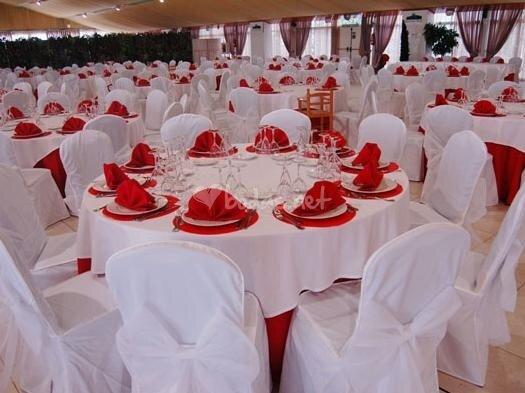 Arreglo de mesa para boda vestidos de bodas for Adornos d mesa para boda