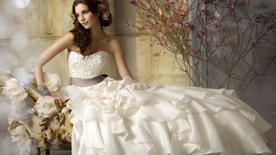 Vestidos de novia originales y romanticos