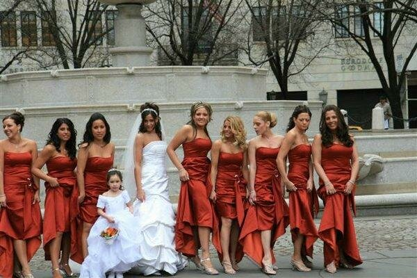 Vestidos para novias y damitas de honor
