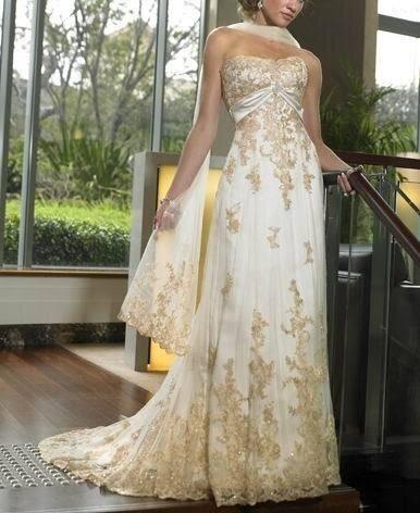 Vestido de novia en color marfil