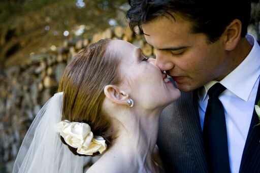 El beso de lo novios